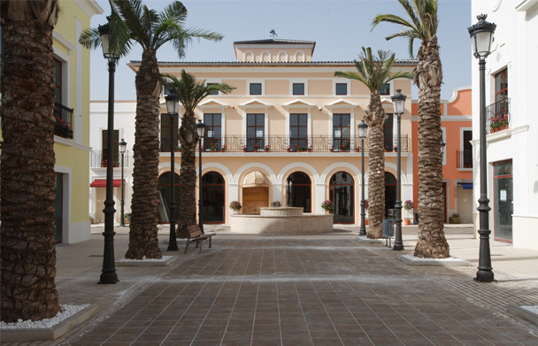 La Noria Outlet Shopping  b0d9c763e7de8