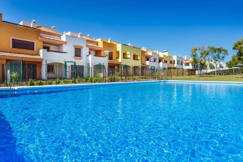 viviendas con piscina en guillena