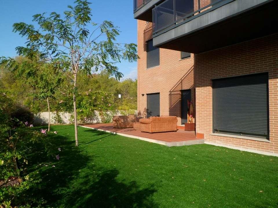 Jardín privado de nuestras viviendas en Rocafort