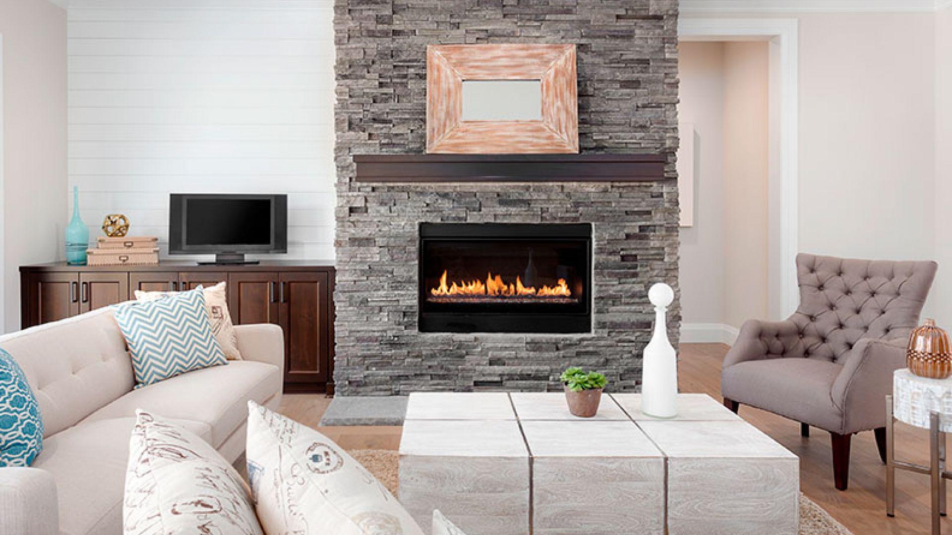 Cómo decorar un salón con chimenea
